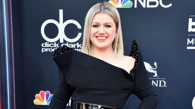 Kelly Clarkson hat 16 kg abgenommen, aber sie wird ihren Körper lieben, egal wie groß er ist