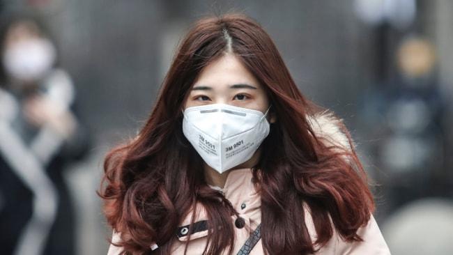Kann eine chirurgische Gesichtsmaske Sie tatsächlich vor Coronavirus schützen?