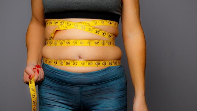 Mühen Sie sich ab, Bauchfett zu verbrennen? Es ist Zeit, sich Ihren Menstruationszyklus genauer anzusehen