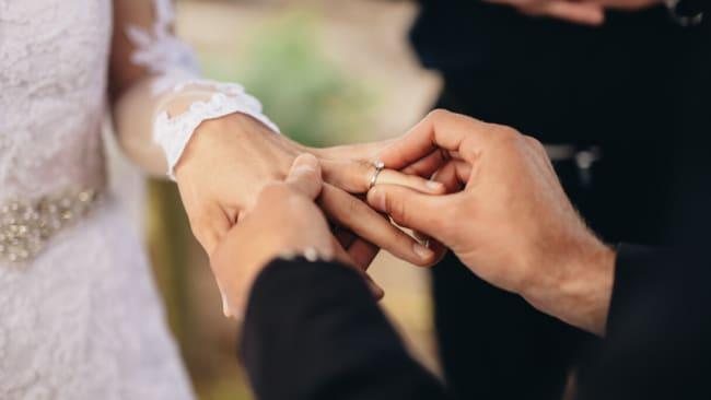 Die Coronavirus-Beschränkungen für Hochzeiten, Bestattungen und Gottesdienste werden in NSW ab dem 1. Juni gelockert