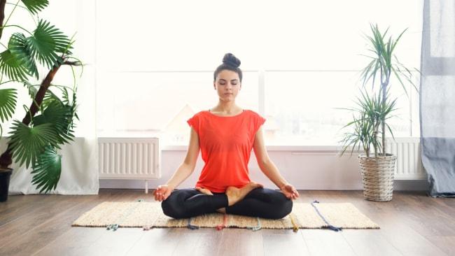 Von Migräne bis hin zu Rückenschmerzen zeigen Studien, dass Yoga ein wirksames Schmerzmittel ist