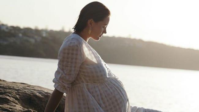 Jesinta Franklins Schönheitsroutine für junge Mütter ist eine Lektion in kuratierter Einfachheit