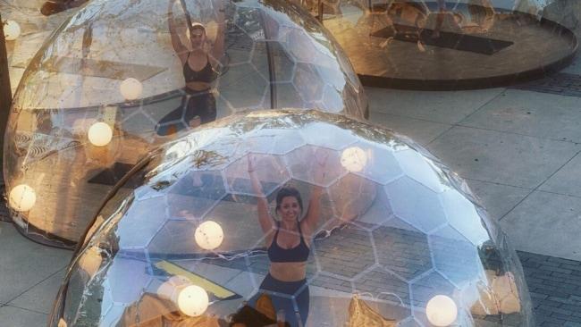 Lmnts Outdoor Studio stellt 'Yoga Pods' vor