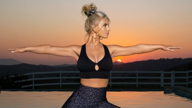 Jessica Simpson zeigt ihren 45 kg Gewichtsverlust im Fitness-Bild